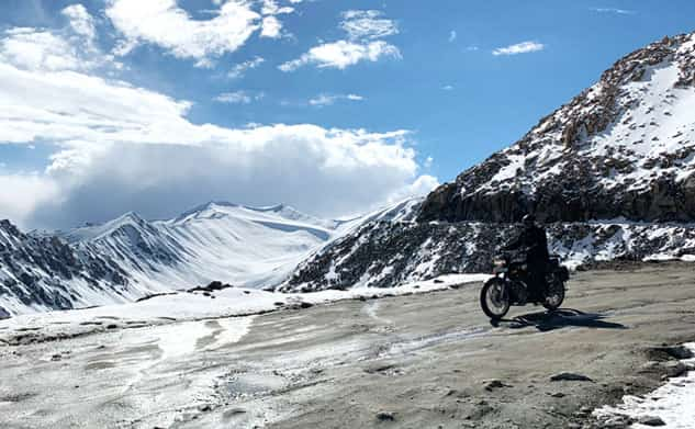 Discover Ladhak on motorcycle - Indian Rides